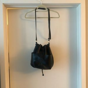 Black bucket purse